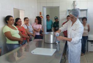 Agricultores de Planalto Alegre fazem curso de boas práticas de fabricação