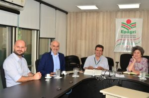Read more about the article Comitiva Italiana visita a Epagri em busca de parcerias tecnológicas