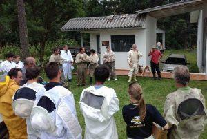 Dia de campo capacita apicultores em Porto União