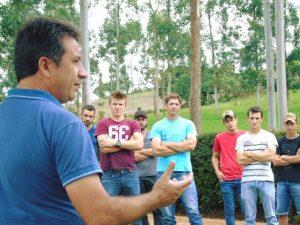 Epagri vai capacitar 152 jovens da região de Palmitos em produção leiteira