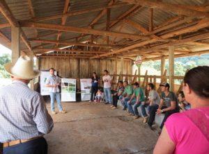 Produtores do Oeste Catarinense se atualizam em pecuária leiteira