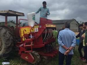 Plantio direto de pastagens é tema de dia de campo em Maracajá