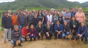 Agricultores de Curitibanos visitam a Capital Catarinense da Hortaliça