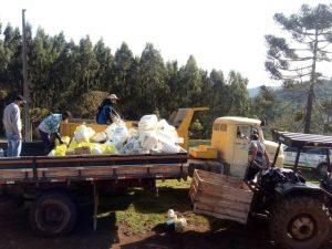 Agricultores de Rio Rufino dão destino correto a embalagens vazias
