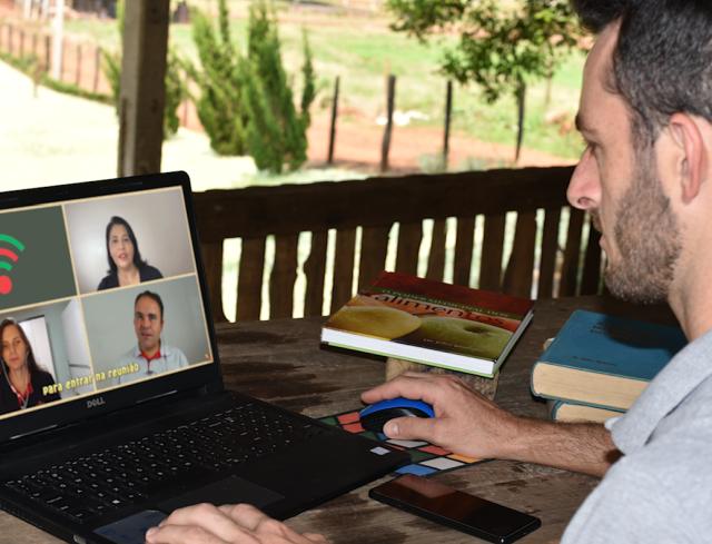 Read more about the article Rádio da Epagri destaca assistência técnica e extensão rural digital